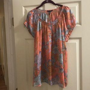 EUC woman's short sleeve floral blouse - size XL